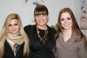 Die Models mit ihren Panda Eyes für den ProSieben taff Beitrag mit Tanja Zerkowitz in der Make-up Academy Munich