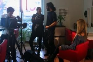 Das Produktionsteam von ProSieben taff in der Make-up Academy Munich